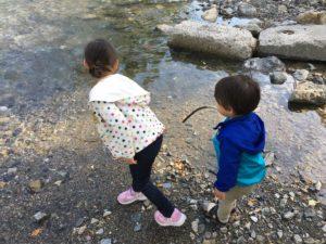 名栗川で川遊び